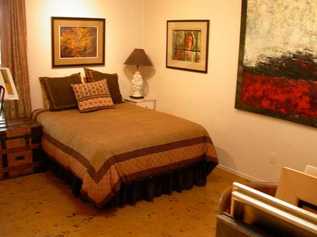 House-up-guestroom